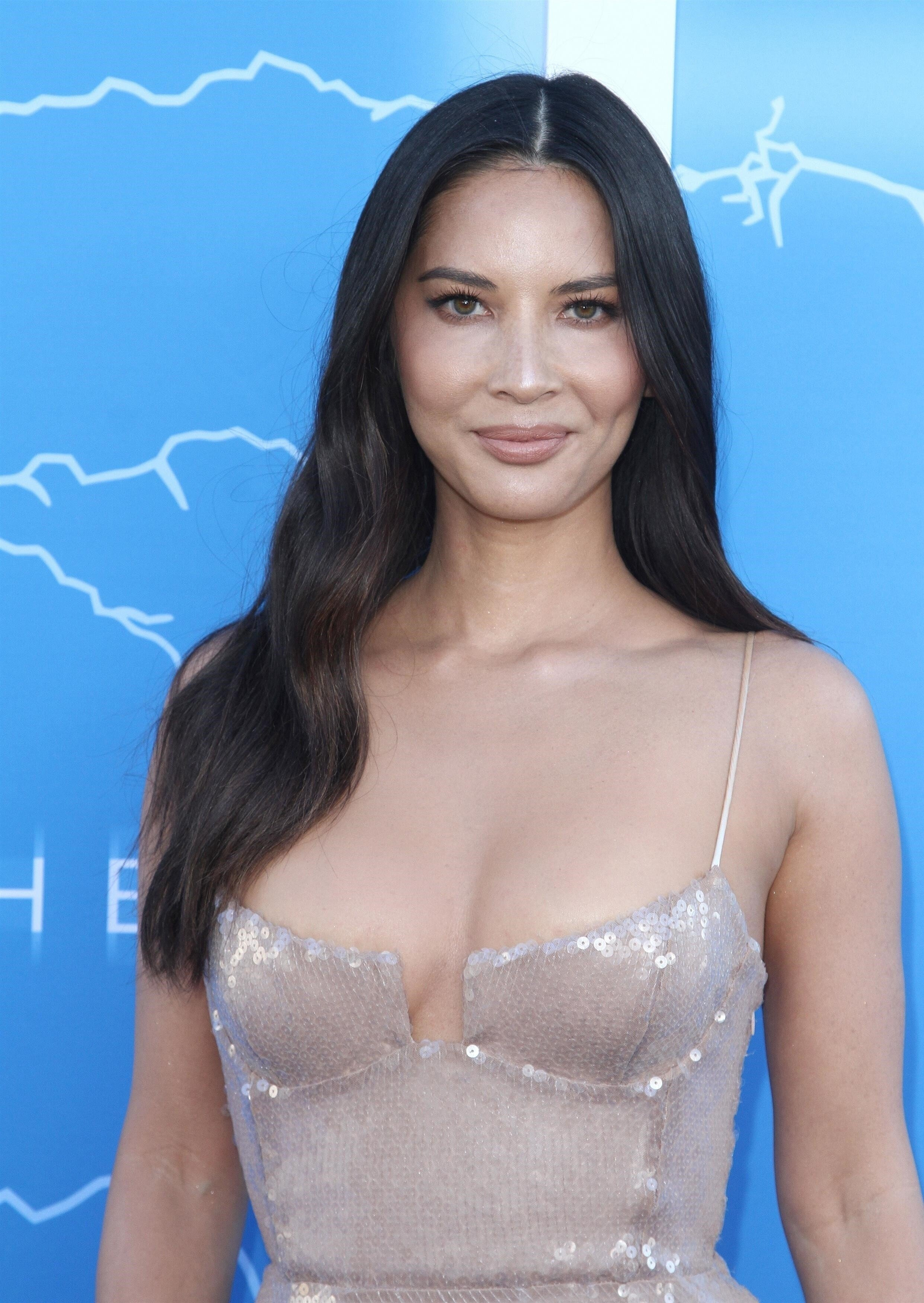 Olivia Munn At The Premiere Of THE ROOK In Los Angeles Set 1