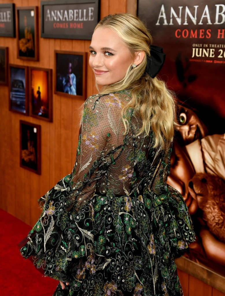 Red Carpet At The Premiere Of Warmer Bros Annabelle Comes Home Set 2