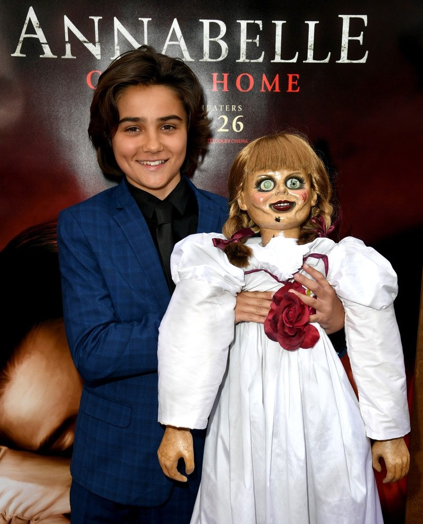 Red Carpet At The Premiere Of Warner Bros Annabelle Comes Home Set 1