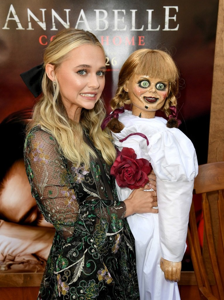 Red Carpet At The Premiere Of Warner Bros Annabelle Comes Home Set 3