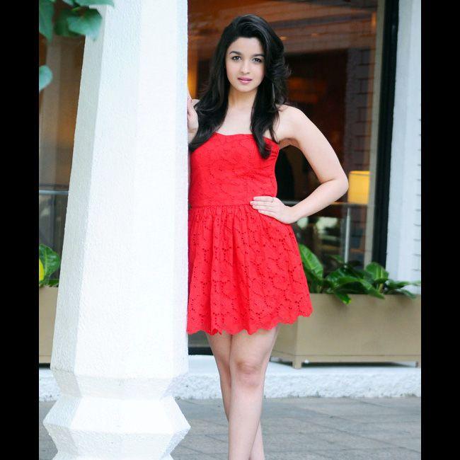 Actress Alia Bhatt Hot Sexy Pictures
