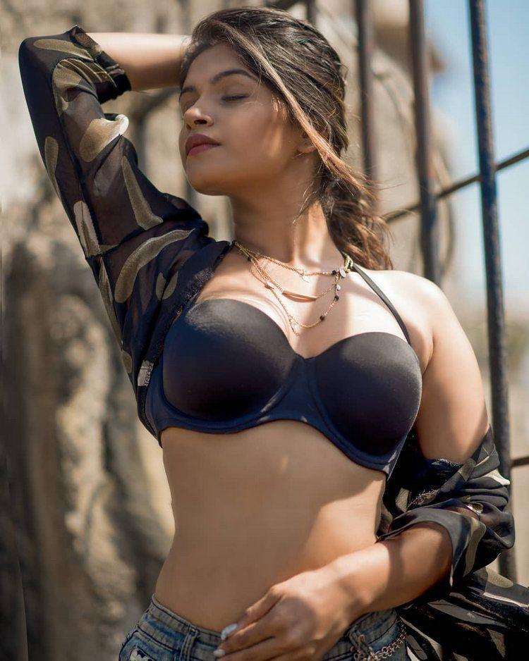 Bhavana sexy photo