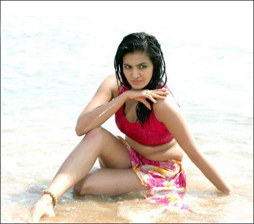 Anuradha Mehta HOt & Spicy Wet Stills