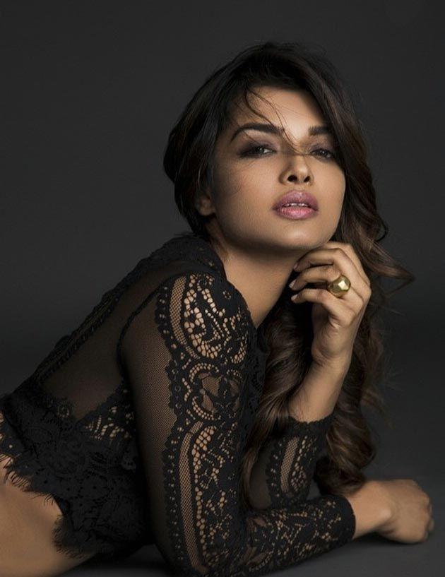 Ashna Zaveri Latest 2017 HOT Photoshoot Stills