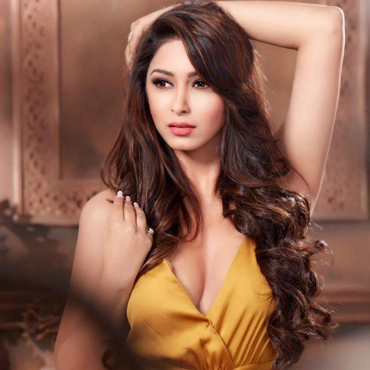 Eshanya Maheshwari Stunning Hot & Spicy Photoshoot Stills