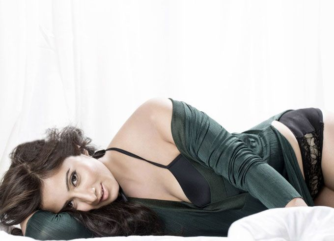 Glamorous Actress Hot Sexy Photos