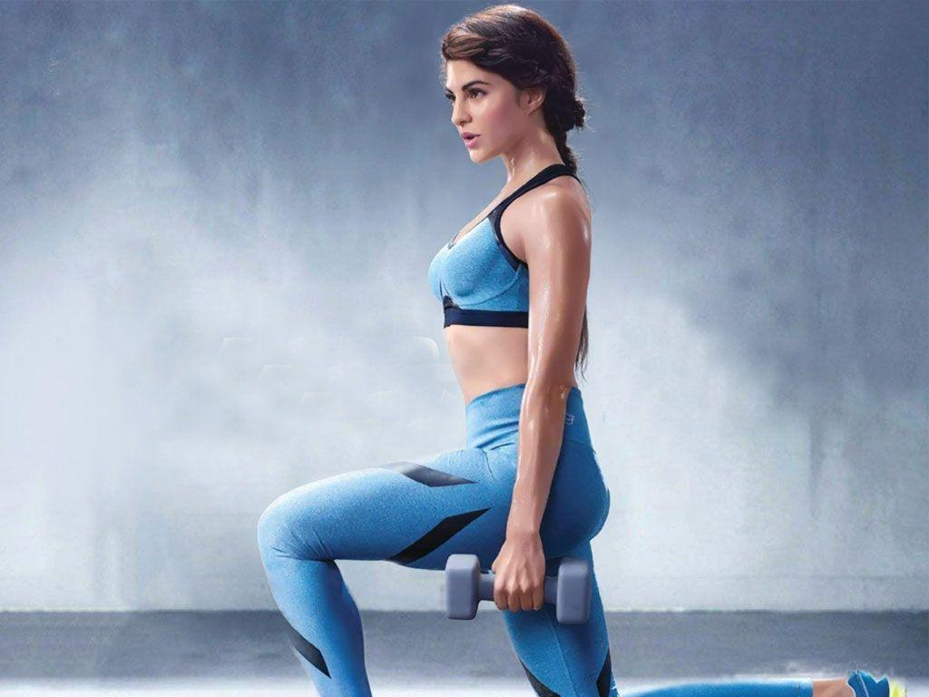 Jacqueline Fernandez Hot & Sexy Unseen Photos are too HOT to Handle!