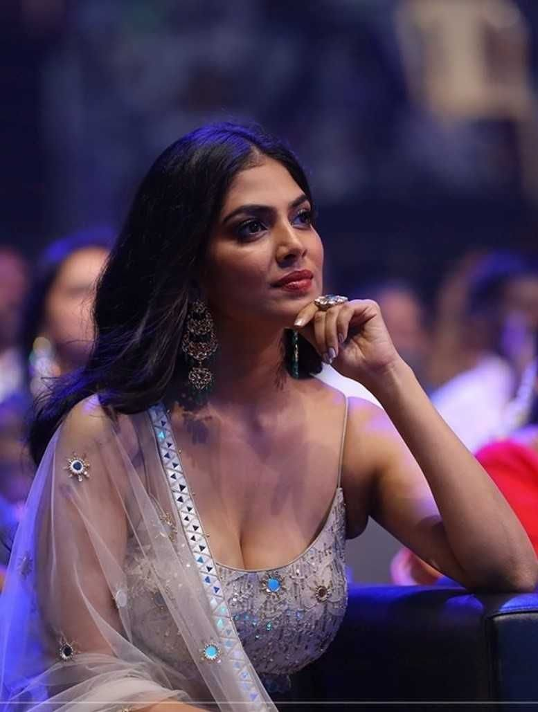 Image result for <a class='inner-topic-link' href='/search/topic?searchType=search&searchTerm=MALAVIKA' target='_blank' title='click here to read more about MALAVIKA'></div>malavika </a>mohanan apherald