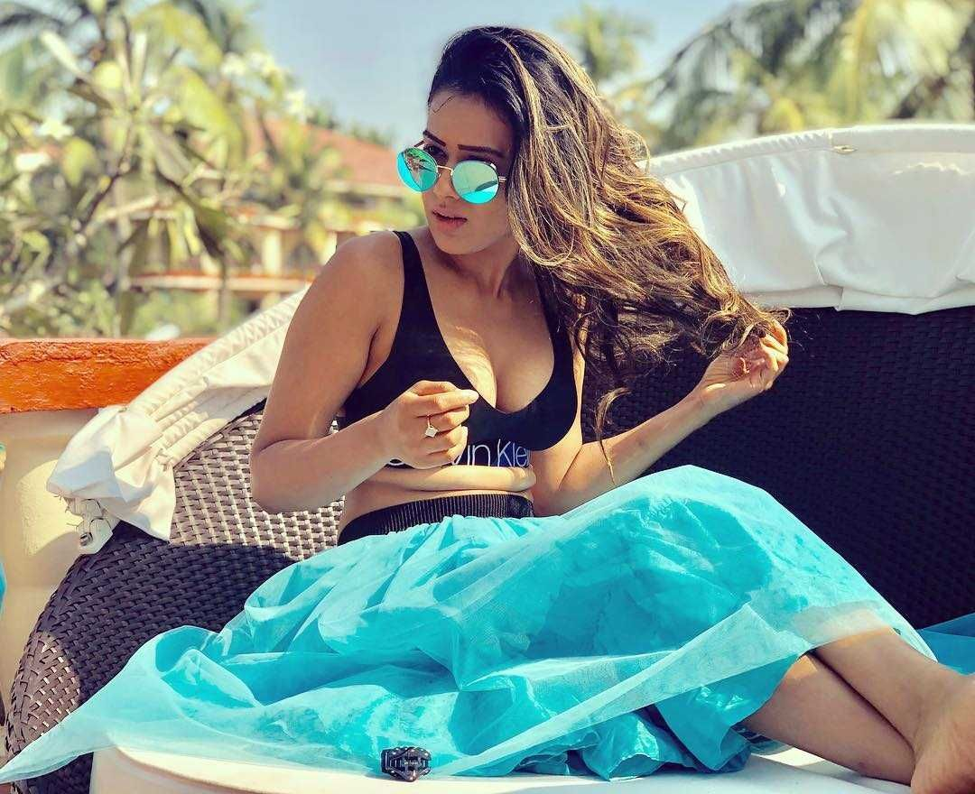 Nia Sharma Latest Hot Pictures