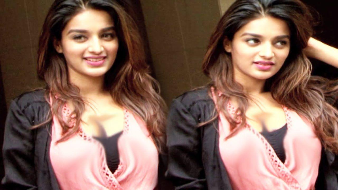 Nidhhi Agerwal Had An Embarrassing Oops Moment Photos