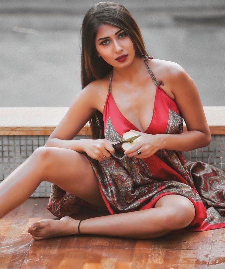 Ruma Sharma Hot Cleavage & BikiNi Photoshoot Stills