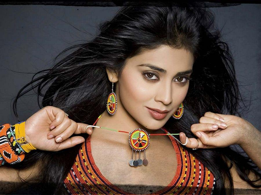 B'day Special: Shriya Saran Never SEEN Hot Photos Collections