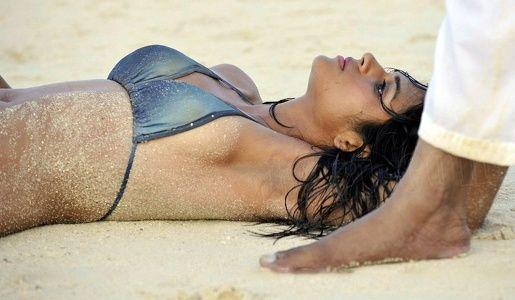 South Indian actress Shraddha Das Hot Spicy Stills Gallery