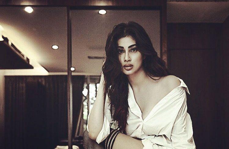 TV Actress Mouni Roy Hot and Sexy Photos