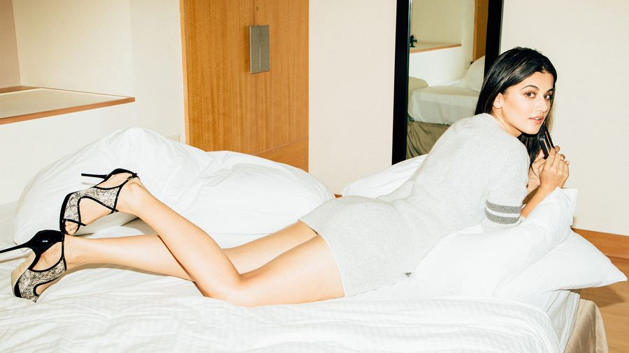 Taapsee Pannu Hot and Sexy Photos