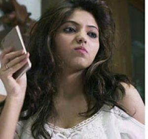 Tamil Actress Athulya Ravi Hot Stills in Yemaali Movie