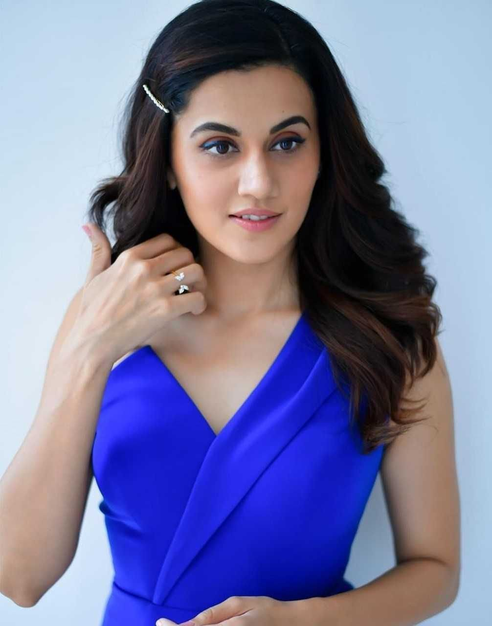 Tapsee Pannu New Hot Spicy Pics