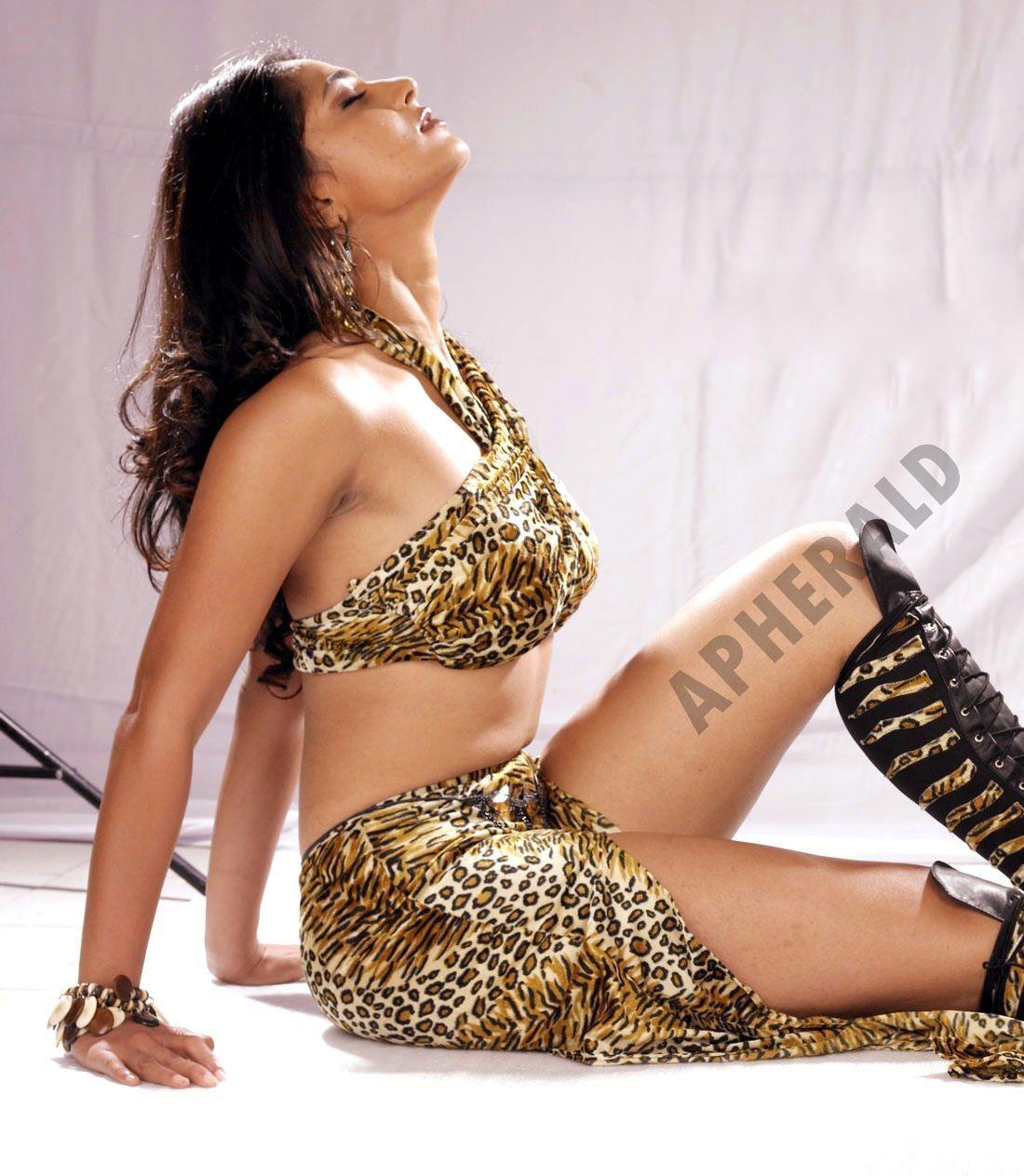 UNSEEN HOT Photos of Anushka Shetty