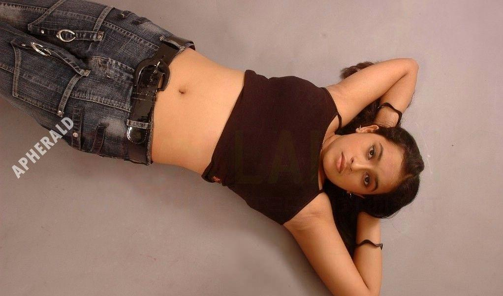 Unseen Rare Hot & Spicy Photos of Sri Divya from her Modelling days!
