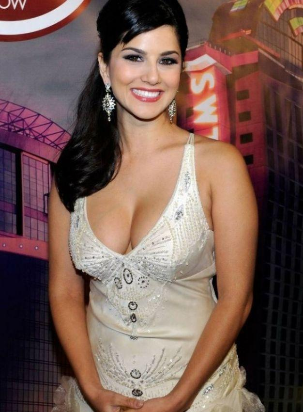Can porn star-turned-Bollywood actress Sunny Leone teach India to.
