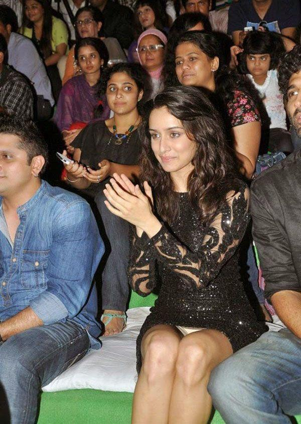 Bollywood celebrity oops moments photos