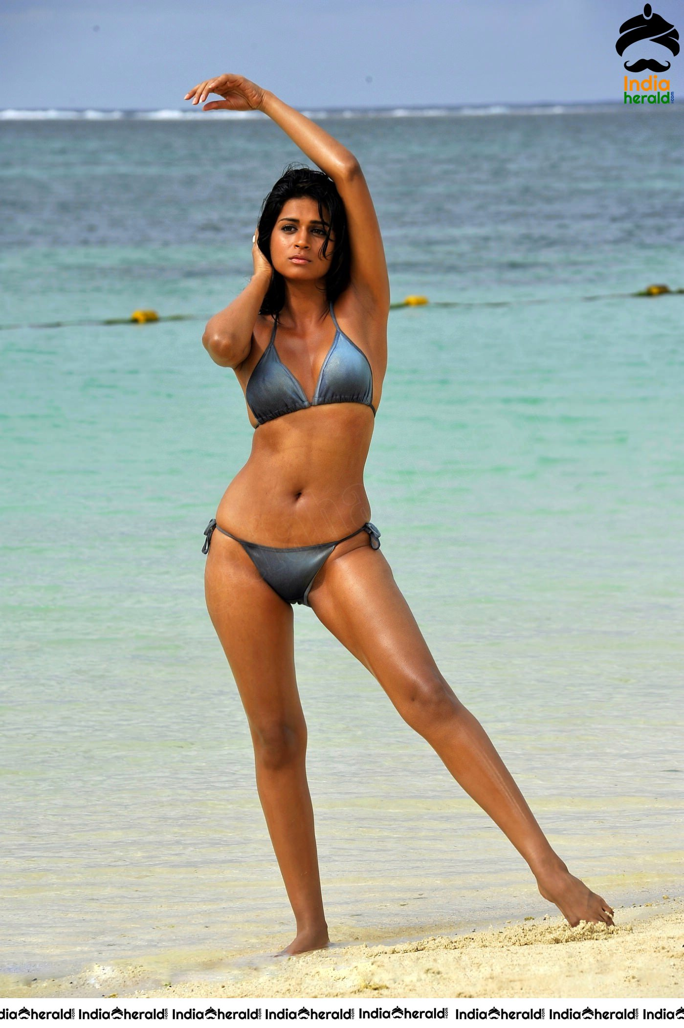 Hot HD Shraddha Das Two Piece Bikini Clicks Set 3