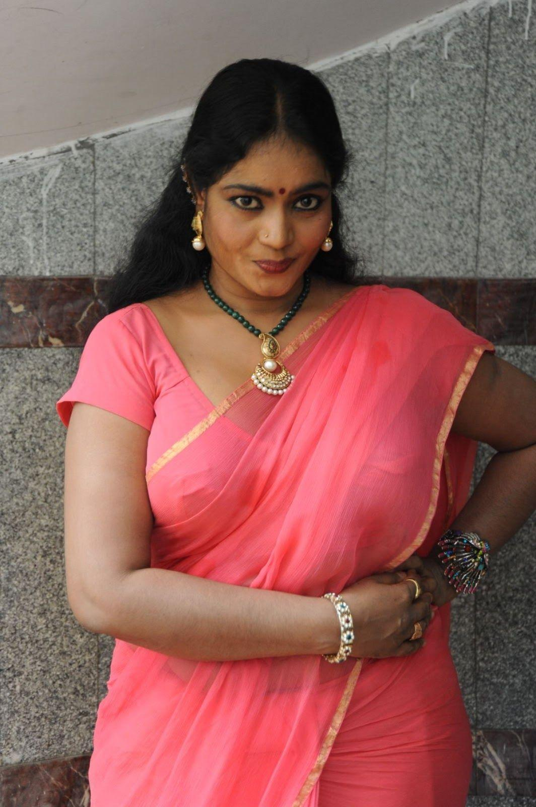 Indian aunty hot photo