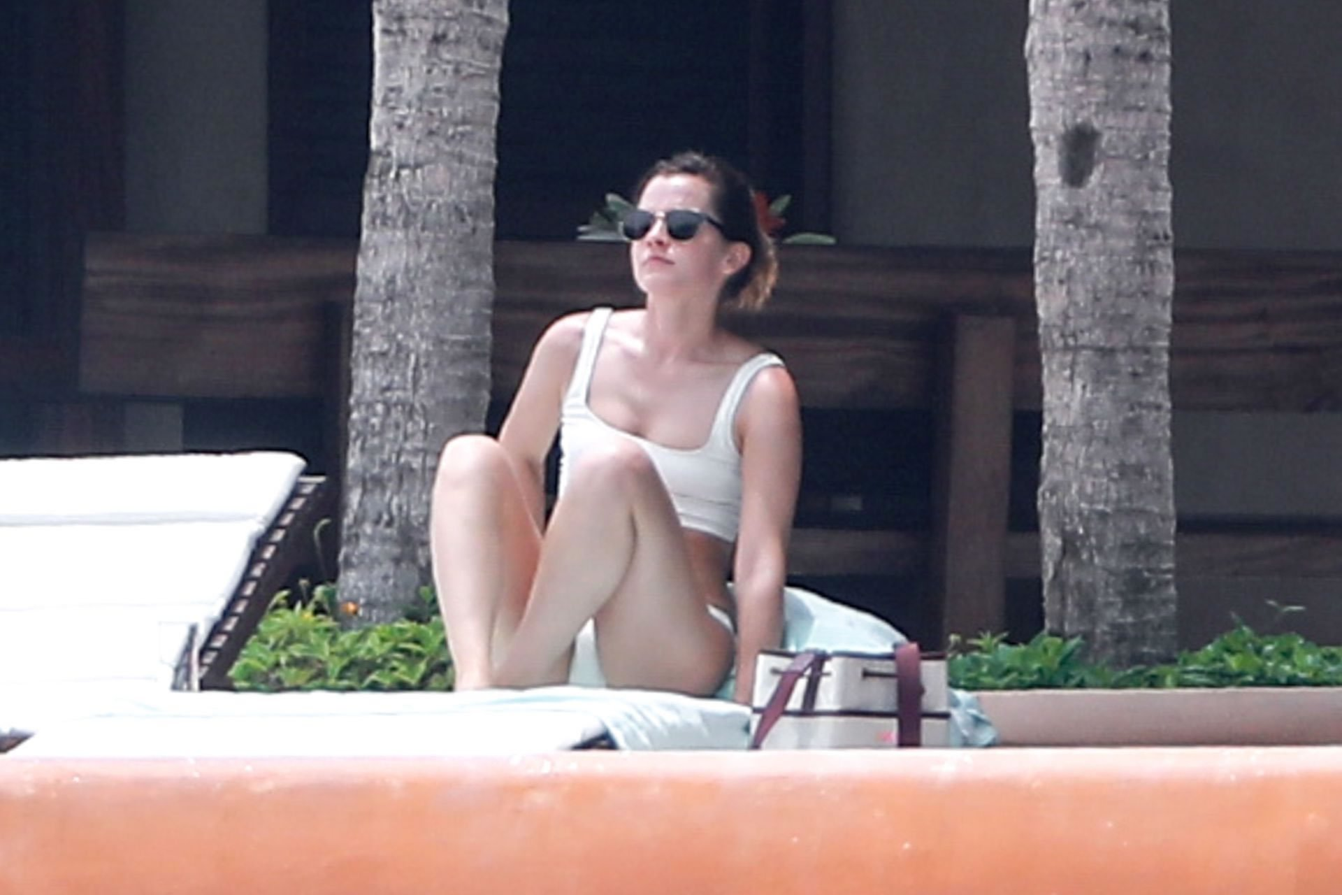 More Than 30 Photos Of Harry Potter Girl Emma Watson Caught In Bikini
