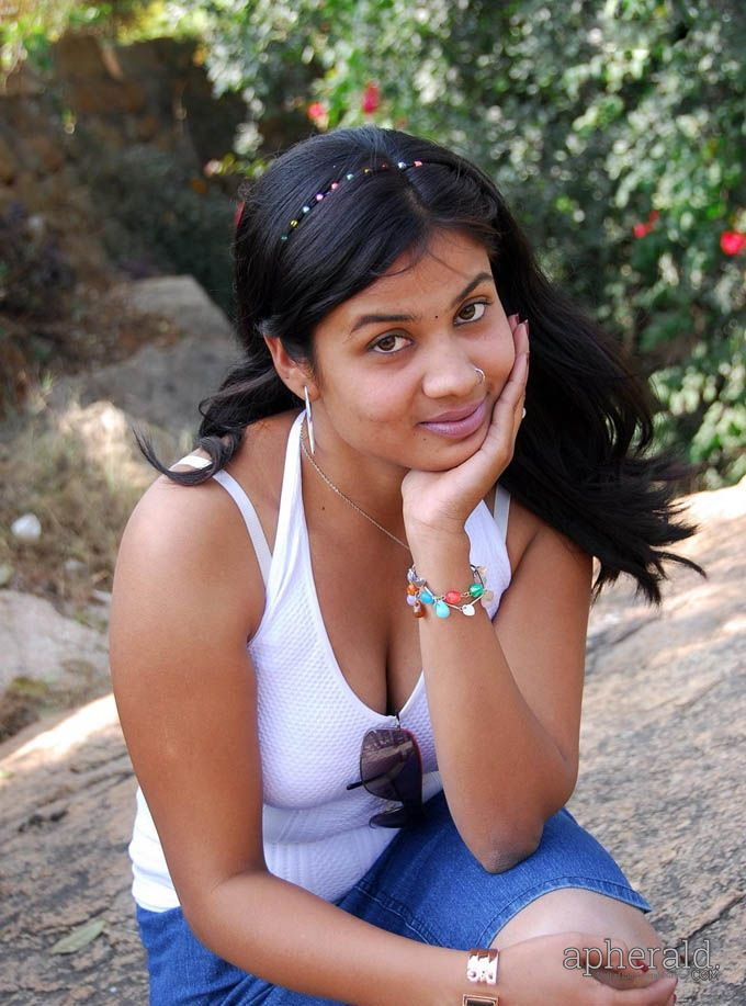 CAMILLE: Tamil womens hot photos