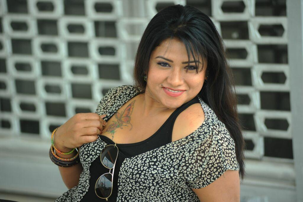 Tollywood Vamp Actress Hot Pictures