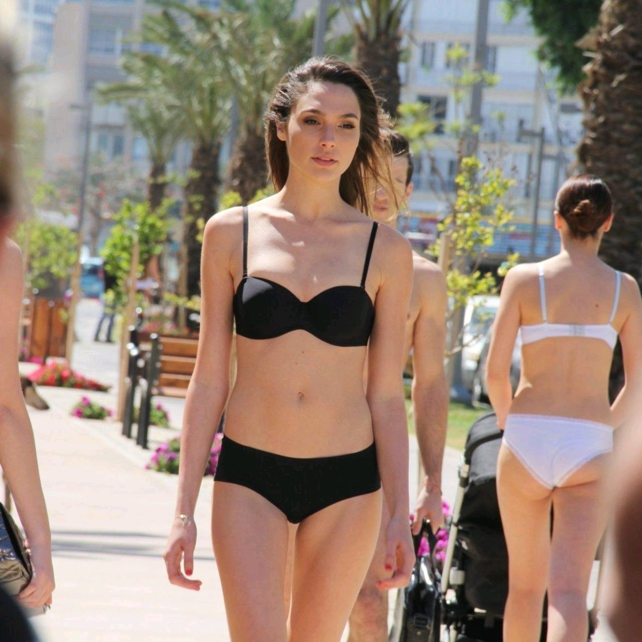Wonder Women Actress Gal Gadot Spotted In Bikini On Road Before Public