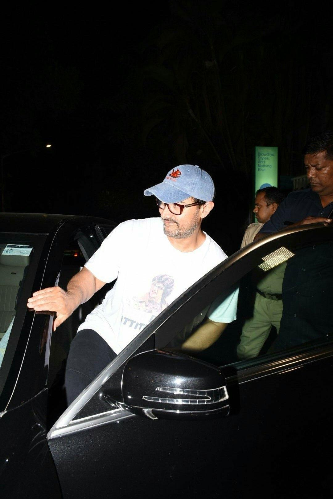 Aamir Khan spotted outside a Juice shop by night in Mumbai