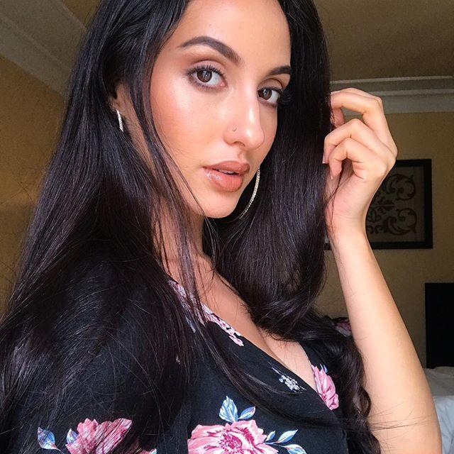 Bigg Boss 9 Contestant: Nora Fatehi Unseen Hot & Spicy Photos Collection
