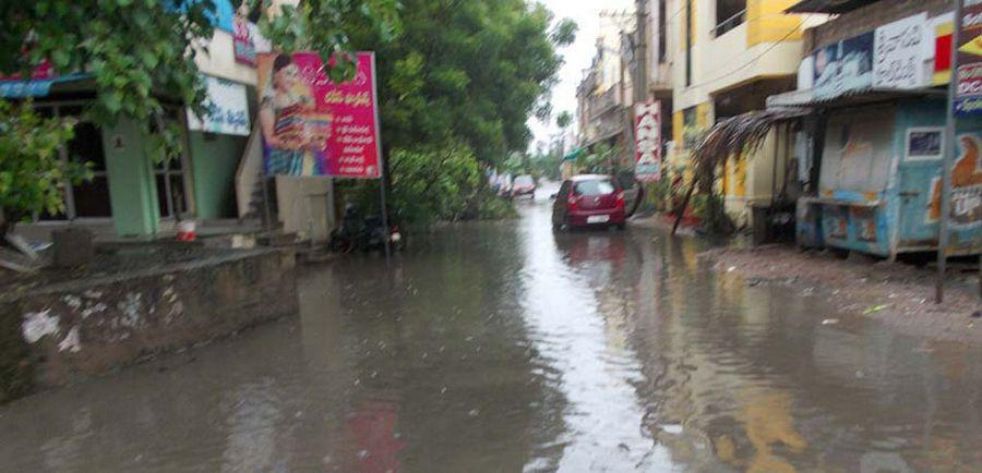 Heavy rains continue to lash out Hyderabad City