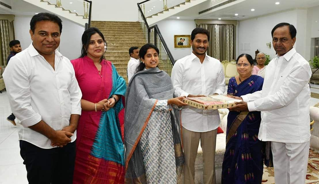Jagan Mohan Reddy Meets KCR and KTR