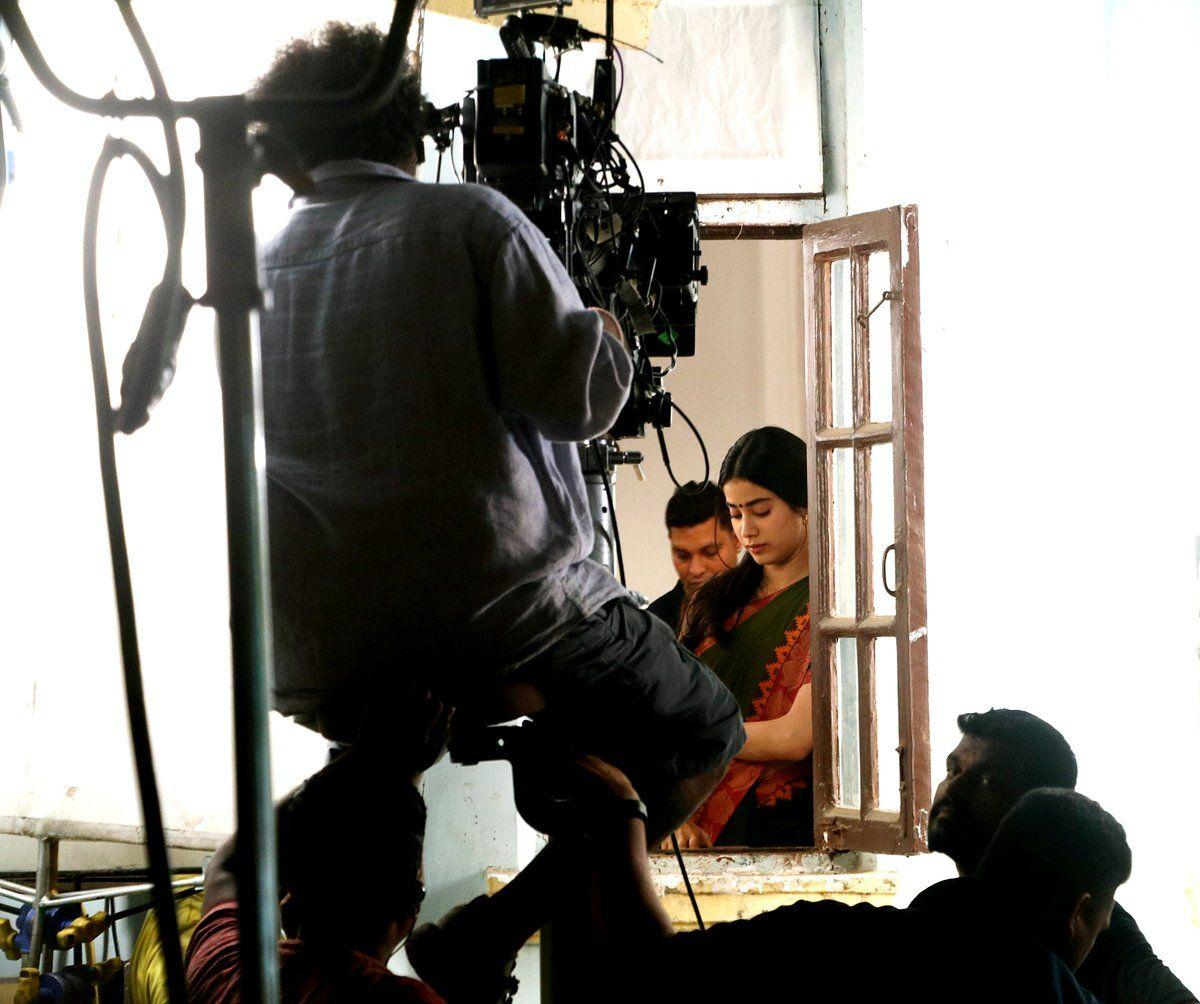 JanhviKapoor goes back to shoot for her debut film Dhadak