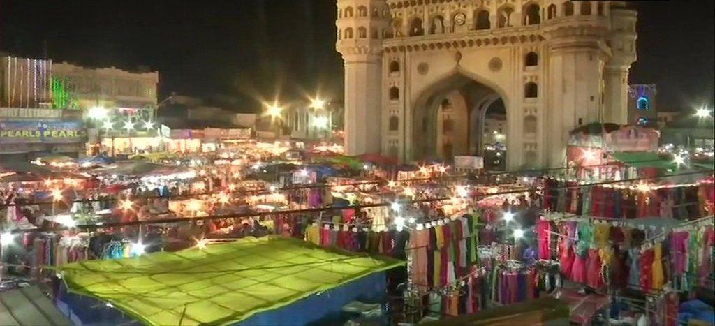 People throng Night Bazar at Charminar in the month of Ramzan