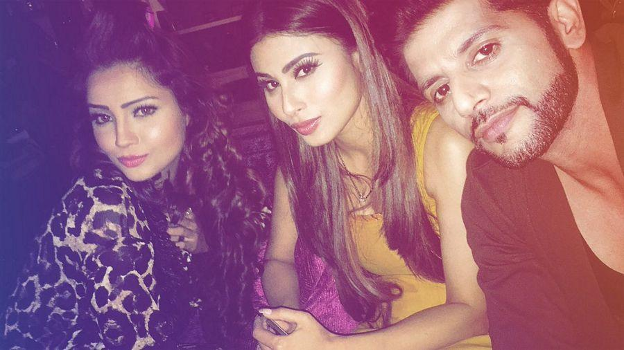 Stunning Rare & Unseen Pictures of Naagin Actress Mouni Roy