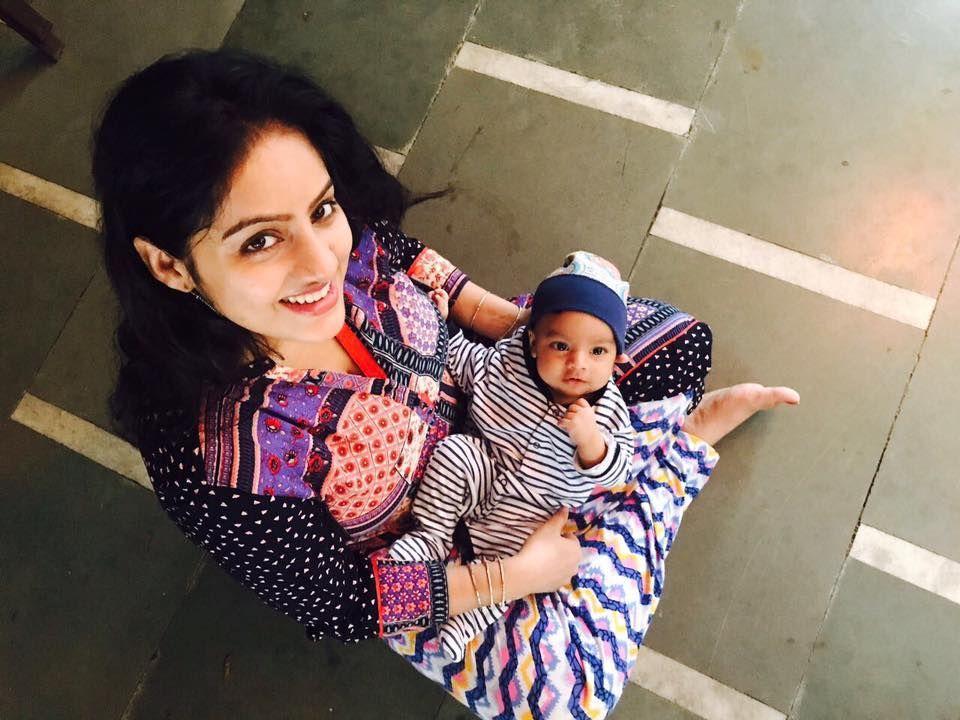 Tv actress Deepika Singh Unseen Family photos