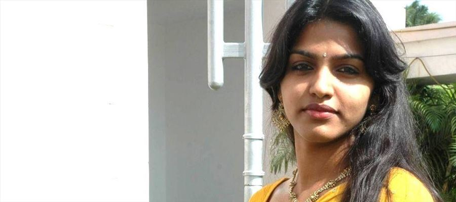 Actress Dhansika Never Seen Photos Collections!