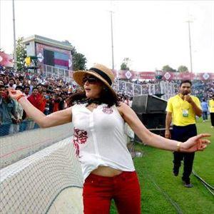 Actress Preity Zinta Hot Latest New HD Images