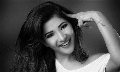 Actress Sakshi Agarwal PhotoShoot Exclusive Stills!