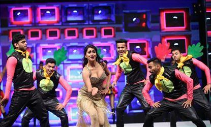Actress Shriya Saran Hot Dance Stills From SIIMA Awards 2019 Set 1