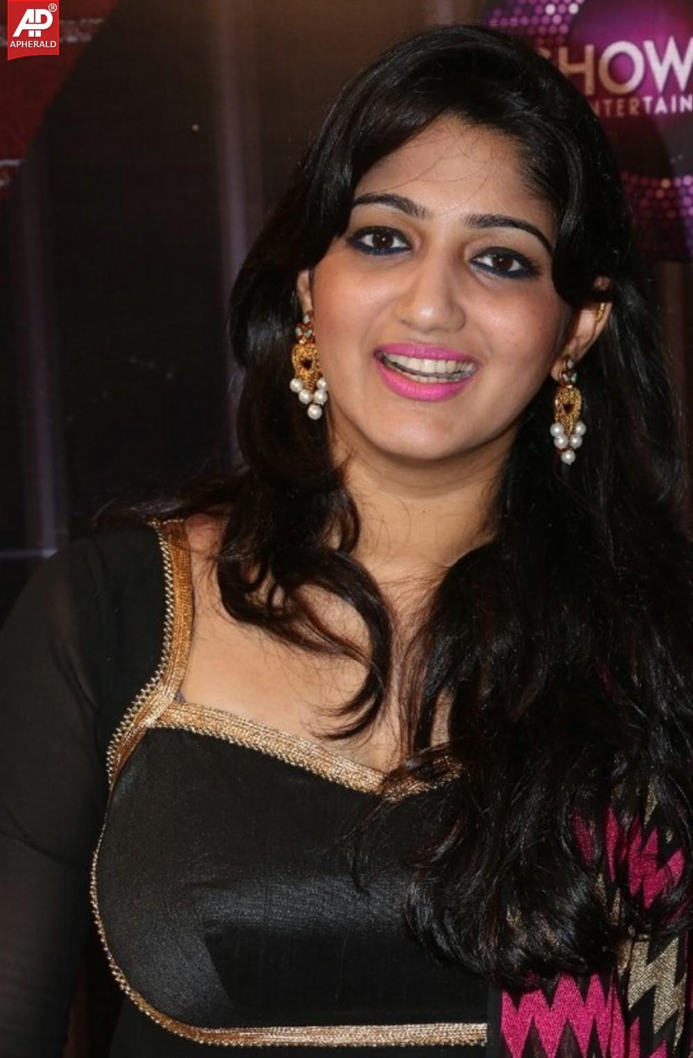 Cached Tamil singer divya photos