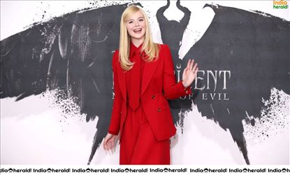 Elle Fanning at Maleficent Mistress of Evil Photocall Set 1