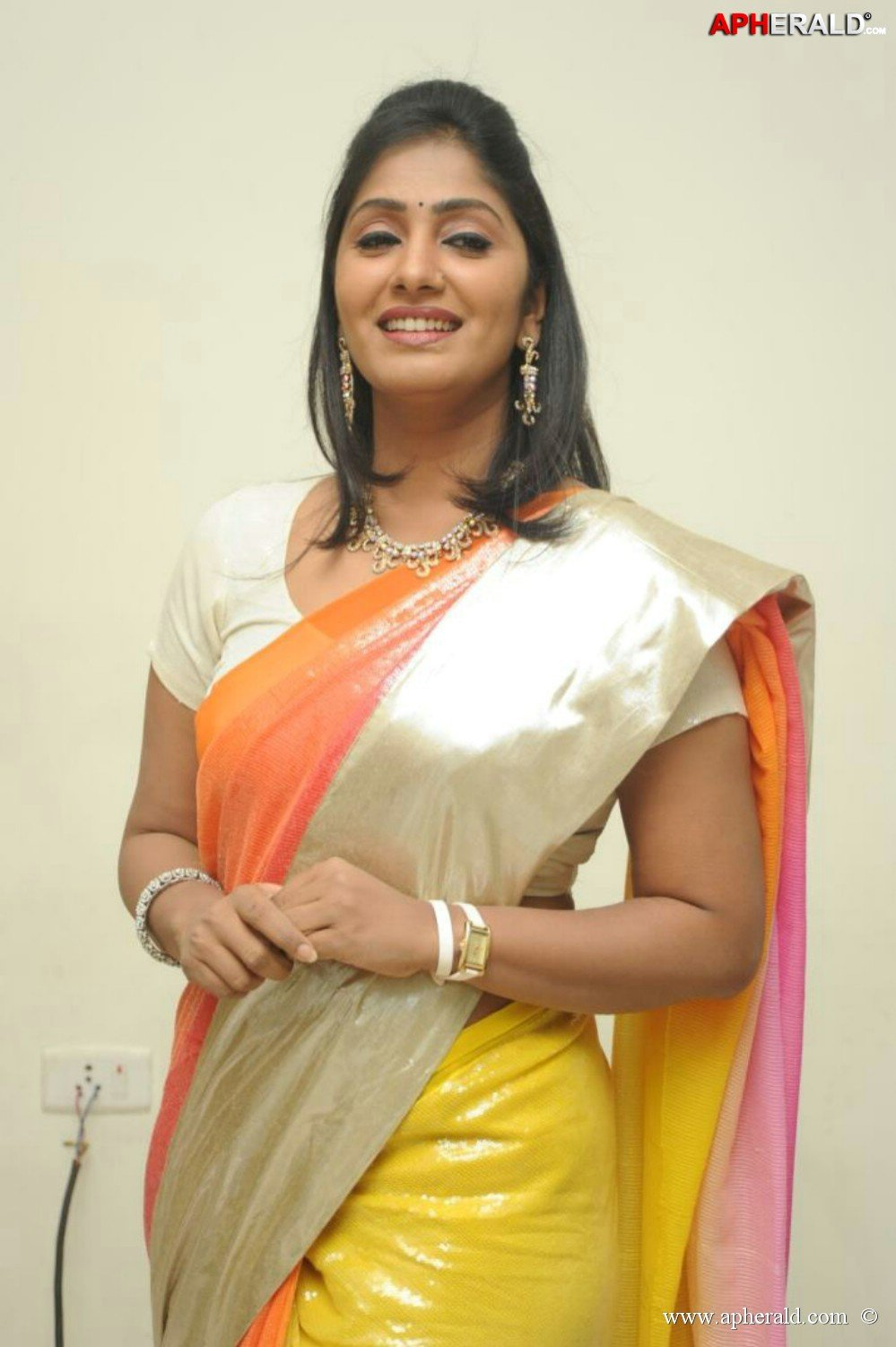 Actress manju warrier images Barn Homes and Barn House Plans Davis Frame Post and