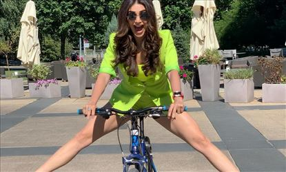 Karishma Tanna Shows Her Thundering Thighs During Her Vacation In USA
