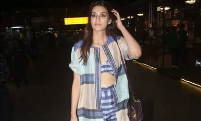 Kriti Sanon Shows Her Sexy Waist In Funky Dress At Airport