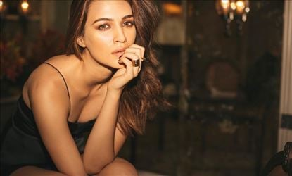 Kriti Sanon Will Literally Blew Your Minds In These Sizzling Photos