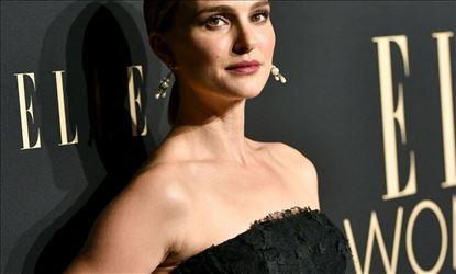 Natalie Portman at ELLE Women In Hollywood Beverly Hills Set 2